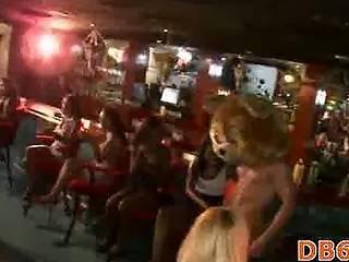 Arte, Bear, Blowjob, Cfnm, Bailar, Sexando, Club Nocturno, Orgía, Fiesta