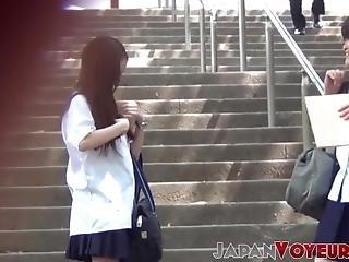 aziatisch, kinpperend, japaans, slipje, publiek, school, Tiener, uniform, gluurder