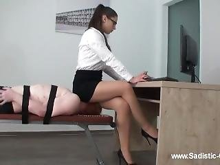 Facesitting Secretary