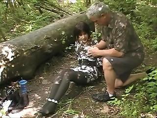 2017 Park Scene, Avaya Gets Tied To A Tree