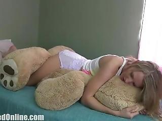 Alina Humps Mr Bear