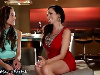 Mommysgirl Ariella Ferrera & Lesbian Teen Step Daughter In Vegas