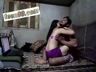 Indian Beautiful Village Girl Homemade Scandal - Version 2 - Www.teen99.com