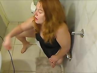ametérské, blonďaté, fetiš, máma, sexy, solo, záchod
