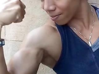 Pumping Hard Biceps - She Feel It