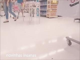 Novinha De Sainha No Mercado