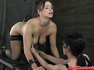 Секс с палкой от швабры