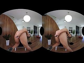 Samantha Jolie Loves Herself Some Vr Sex And Toying Pussy