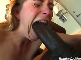 Blondie Gets Black Dp