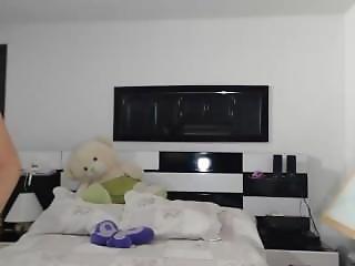 6cam.biz Babe Saritabelle Flashing Boobs On Live Webcam