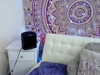6cam.biz Slut Korakitten Flashing Boobs On Live Webcam