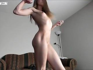 Incredible Fit Muscled Ripped Girl Dildoing And Vibrating
