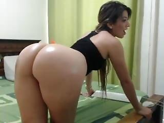 Latino Girl With Awesome Ass - Webcam On 4xcams.com
