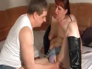 Rookie Couple Homemade Having Sex With Cumshot