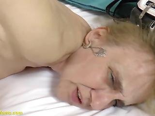 Sara jean underwood boobs