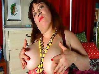 Chubby Mom Rubee Toying Her Cunt Through Pantyhose