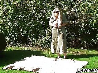 Wife Gets Crazy When Found Them Fucking In The Garden