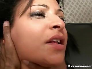 Adila_son_casting
