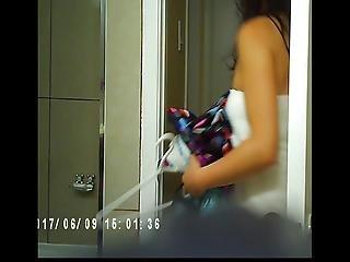 Video dívky holení její kundu