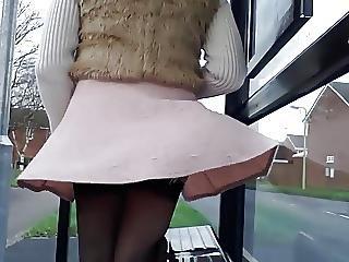 στοματικό, έξω από το σπίτι, ροζ, φούστα, κάλτσα, στρινγκ, Upskirt, ηδονοβλεψίας