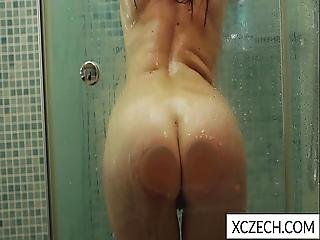 Extremly Hot Milf Showering