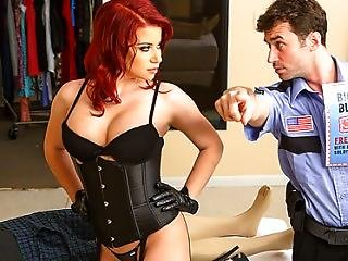 Brazzers - Sarah Blake Seduces A Mall Security Guard