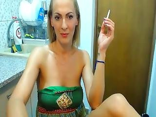 Sexy Gorgeous Slut Cumming