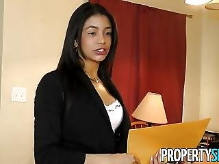 Propertysex Latina Agent Cheers Up Client With Some Sex