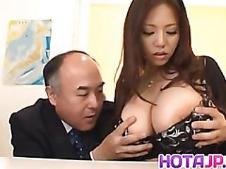Ruri Saijo Shakes Huge Boobs While Is Nailed
