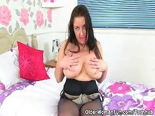 Uk Mum Jessica%27s Tits And Pussy Need A Massage