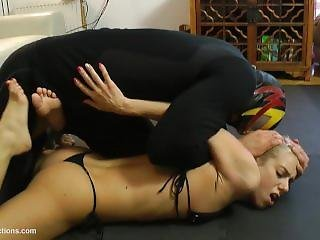 Delicous Blonde Stretched Wrestling
