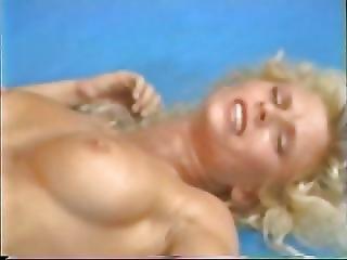 Loira, Morena, Lébica, Retro, Topless, Vintage, Wrestling