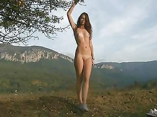 Dania Nude In Altitude