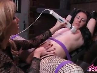 Milf Eats Pussy