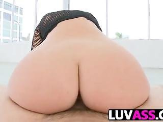 Jessie Rogers Gets Her Juicy Ass Banged