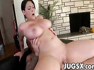 Busty Sexy Babe Noelle Easton