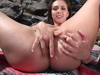 Horny Hiking Girl