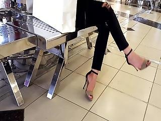 Her Sexy Feets In High Heels, Her Fr's Crossed Legs