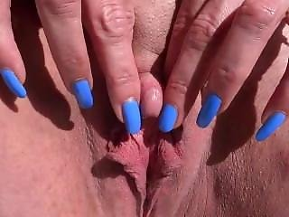 Huge Naked Clit Play