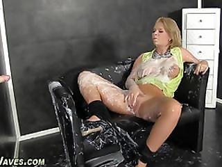 Glam Blonde Gets Wam Cum