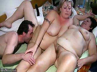 Oldnanny Senior Threesome Licking