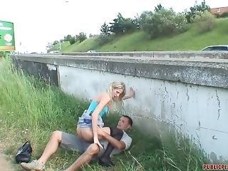 chuda murzynka nastolatka rura czy kobieta lubi dawać głowę