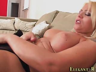 blondynka, z klasą, erotyka, europejka, bogactwo, masturbacja, solo