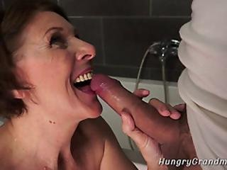 Mummo Bukkake porno
