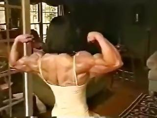 Nursel Gurler Turkish Fbb Muscle Flexing
