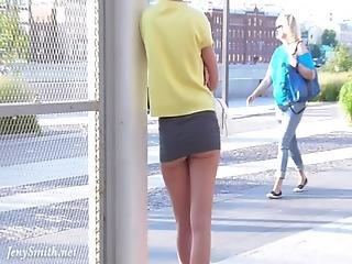 ブルネット, パンティー, パブリック, スカート, アップスカート, のぞき趣味の人