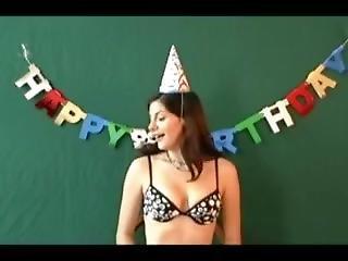 ametérské, narozeniny, brunety, fetiš, masturbace