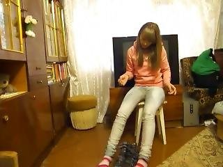 Tania Totally Floods Her Tight Jeans & Boots With Pee