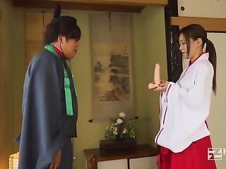 Cute Priestess In Dirty Shrine [full Time 61p]: Shink.in/2ansk