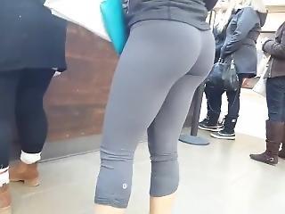 Candid - Tight Grey Lululemon Leggings